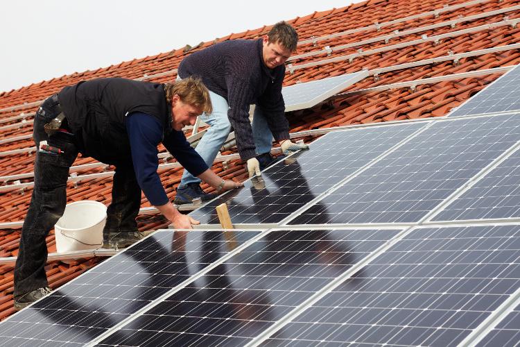 Was ist der Unterschied zwischen Photovoltaik und Solaranlagen?